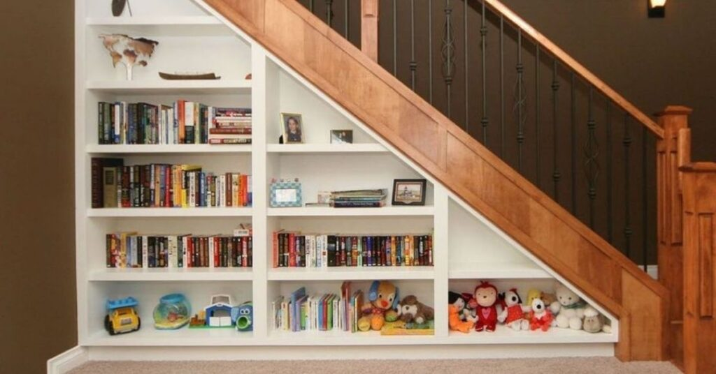 How Do You Make a Mini Library at Staircase