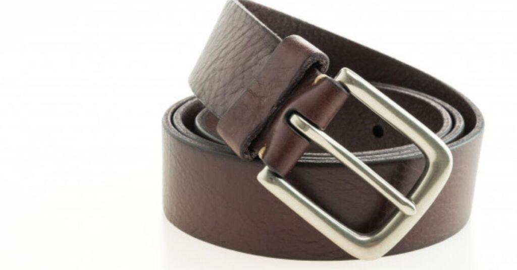 Wear Heart-Buckled Belts with Jeans