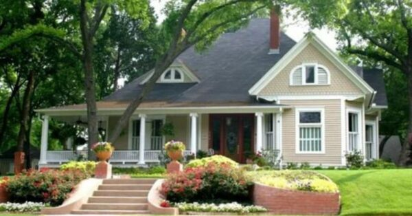 7 Easy Quick DIY Tips to Restore the Beauty of Your Aging House