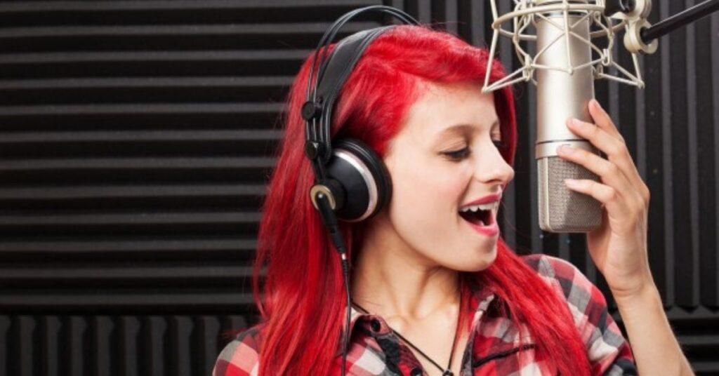 How Do Beginners Practice Singing?