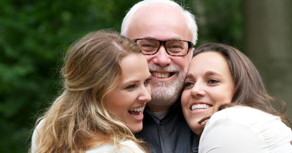 5 Ways to Improve a Warm-Hearted  Relationship with Your Dad Who Is Depressed