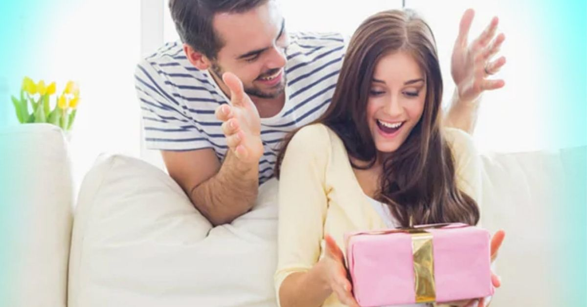 How to Surprise My Girlfriend with a Holiday